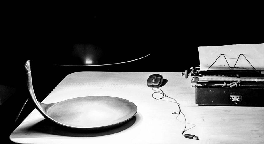 Schreiben Sie uns doch, wie Sie wollen: digital oder analog, wir freuen uns über Post. Foto: Olaf Wiehler